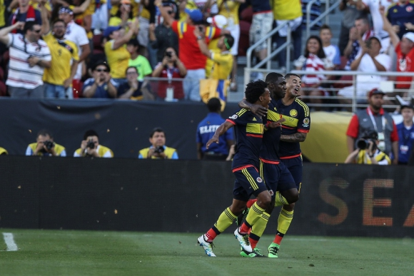 Cristian Zapata celebra el primer gol de la Selección de Colombia. Foto: EFE