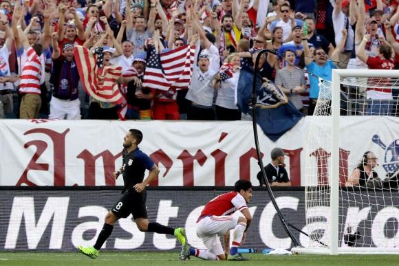 Dempsey festeja su gol para Estados Unidos. Foto: AFP.