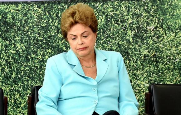 Rousseff está jaqueada. Foto: AFP.