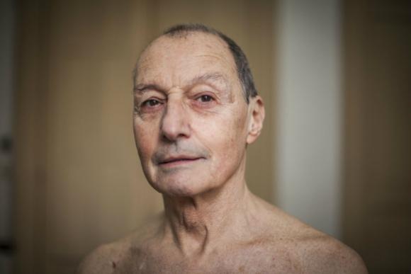 Voces en segundo plano: cómo es vivir en un cuerpo envejecido