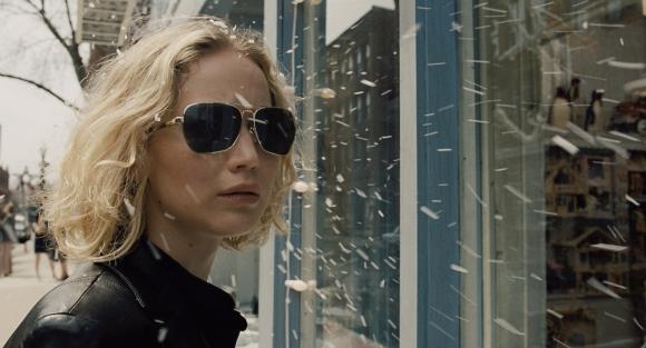 Jennifer Lawrence es candidata al Oscar por su rol de ama de casa de los años 80.