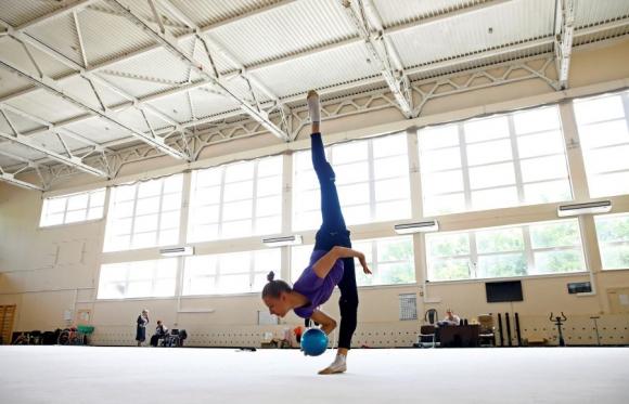 Melitina Staniouta entrenando en Minsk en mayo. Foto Reuters