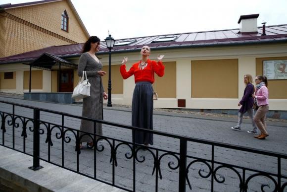 Staniouta camina por las calles de Minsk después de entrenar. Foto Reuters