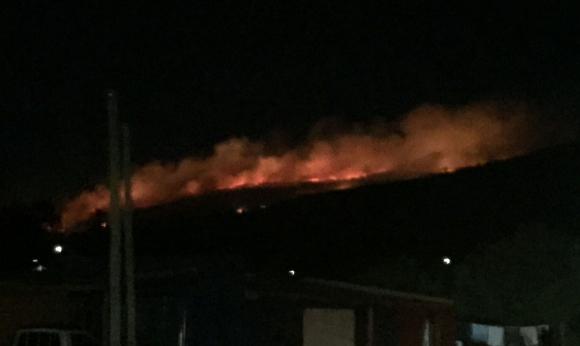 Incendio en Cerro del Toro. Foto: Horacio Santeugini Echeverria