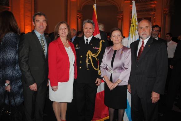 Denis Drouin, Kim y Martin Teft,  Embajadora de Canadá Claire A Poulin, Gastón Gauvin.