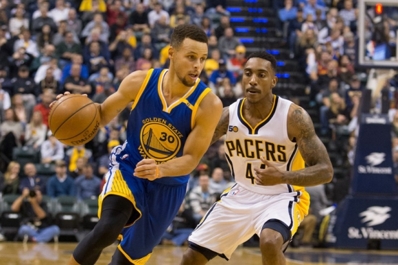 Stephen Curry volvió a ser importante para Golden State Warrios. Foto: AFP.