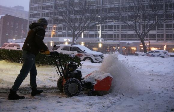 Snowzilla sepultó al este de Estados Unidos bajo nieve. Foto: AFP.