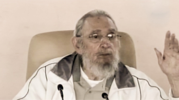 Fidel Castro reaparece tras nueve meses de ausencia. Foto:AFP