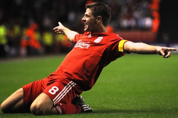 Steven Gerrard, eterno capitán de Liverpool. Foto: Archivo El País.
