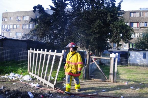 Incendio en complejo de viviendas en Verdisol. Foto: Fernando Ponzetto