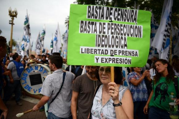 Multitudinaria marcha en Argentina en apoyo a la ley de medios. Foto: AFP