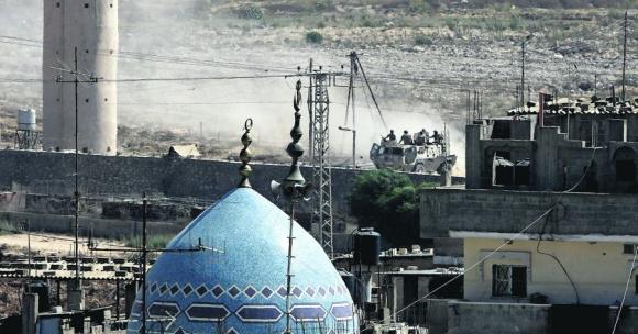 El ejército egipcio patrulla la frontera sur de Gaza con el Sinaí. Foto: AFP.