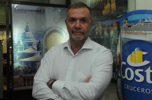 Carlos Pera, gerente de Amaszonas es doctor.