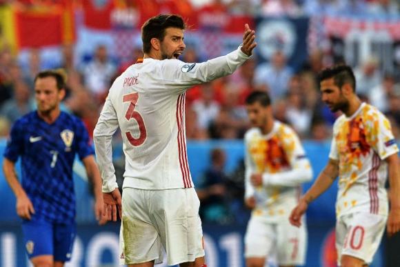 Piqué en España-Croacia. Foto: AFP.