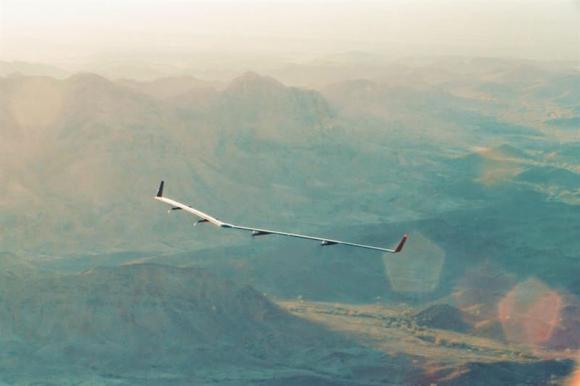 Facebook construyó un dron con el que llevará Internet a áreas remotas. Foto: EFE