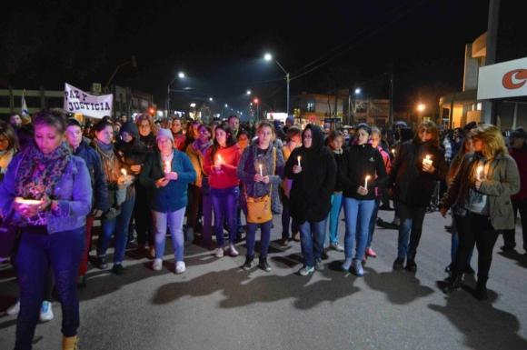 Movilización: una marcha se celebró en velas en la ciudad. Foto: Daniel Rojas