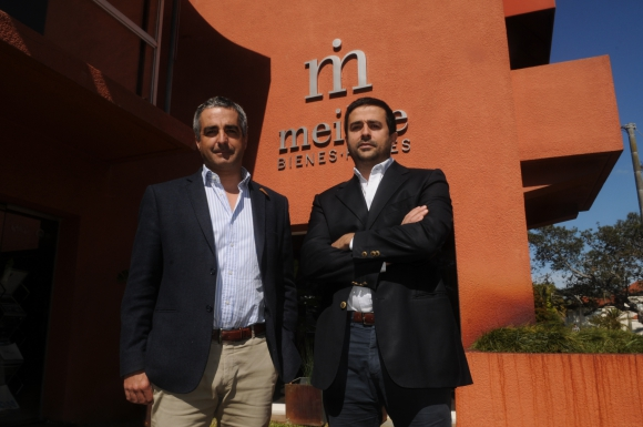 Ignacio Albanell y Matias Albanell, directores de Meikle Bienes Raíces.