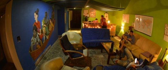 Unos quince extranjeros se encontraban en el Hostel. Foto: compayhostel.com.uy
