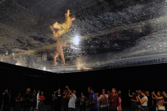 Un show que apuesta a abrumar los sentidos llega por primera vez a Uruguay. Foto: Fernando Ponzetto