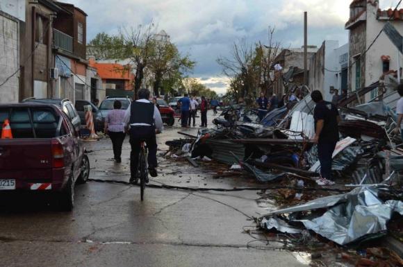 Severos daños por tornado en Dolores. Foto: Daniel Rojas.