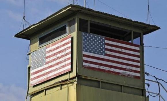 Bandera de EEUU en territorio cubano. Foto: Reuters
