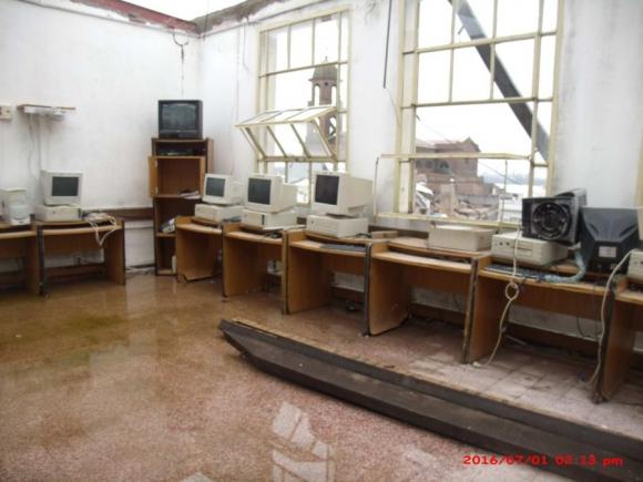 Liceo: la sala de informática y las aulas en calamitoso estado. Foto: D.Rojas