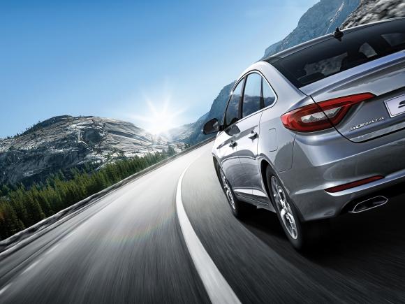 El nuevo Hyundai Sonata Híbrido 2016 mezcla un moderno diseño con la mejor tecnología.