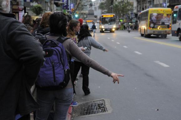 En las calles se ya nota la merma en la cantidad de ómnibus. Foto: F. Ponzetto