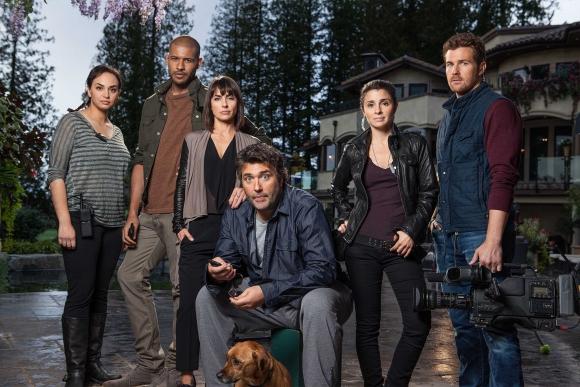 Parte del elenco que interpreta al equipo técnico del reality.