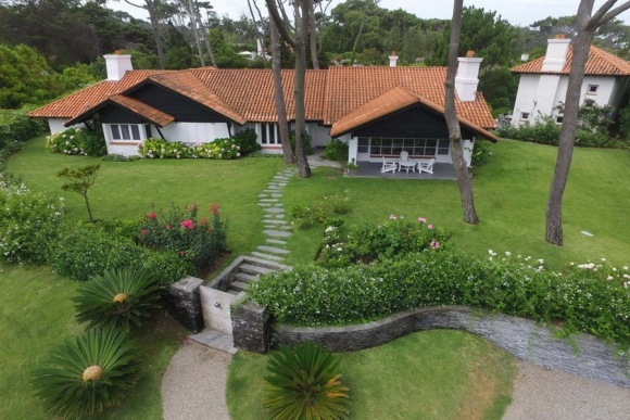 La residencia está enclavada en el Parque del Golf. Foto: R. Figueredo