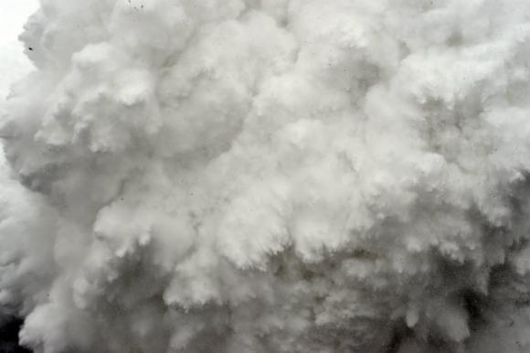 Segundo premio categoría Spot News. Avalancha, tomada en el Himalaya por el fotógrafode AFP Roberto Schmidt. Foto: AFP
