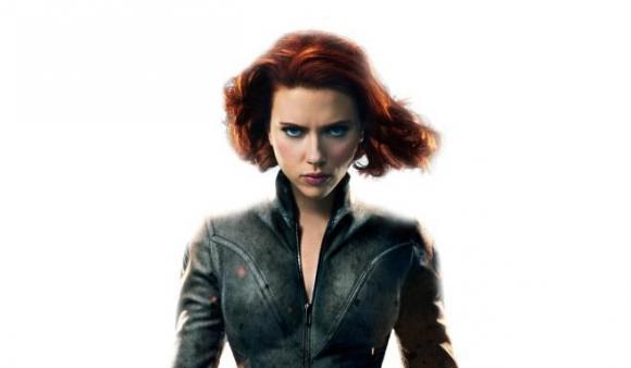 Scarlett Johansson es Natasha Romanova, la ex espía rusa.