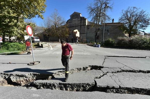 Así quedó una de las calles de Norcia  después del nuevo terremoto. Foto: AFP