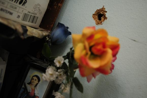 La casa del policía fue baleada mientras estaba junto a su familia. Foto: Marcelo Bonjour