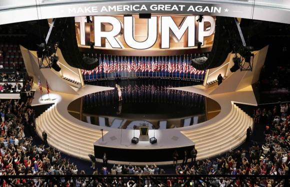 Donald Trump aceptando su candidatura. Foto: Reuters