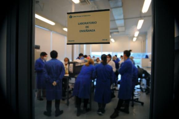 El Instituto Pasteur se ha preocupado por pagar sueldos competitivos a sus investigadores. (Foto: Fernando Ponzetto)
