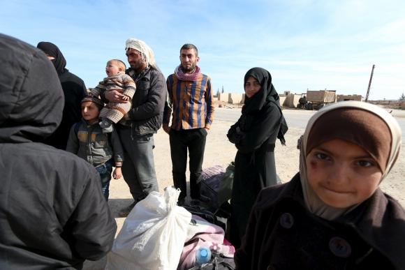 Niños sirios que huyeron de Aleppo también en este campo de refugiados. Foto: Reuters