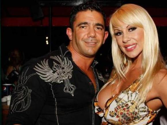 Mónica Farro y Juan Suris (Foto: web)