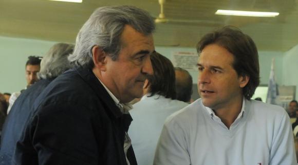 Líderes: Lacalle Pou y Larrañaga discrepan por censura. Foto: A. Colmegna
