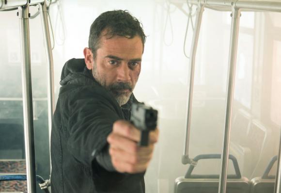 Jeffrey Dean Morgan como un hombre desesperado por salvar a su hija enferma.