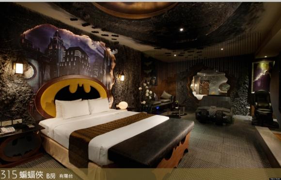Eden Hotel. Cuenta con una habitación decorada en homenaje al héroe de Ciudad Gótica, Batman. (Foto: Google Images)