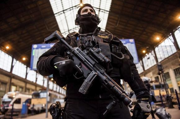 La Policía alemana todavía no tiene a un sospechoso por el ataque en Berlín. Foto: EFE