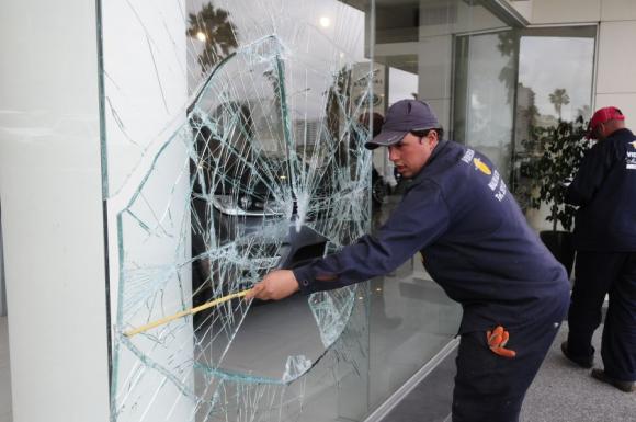 Pocitos: el barrio que año tras año sufre los festejos de Peñarol. Foto: M. Bonjour