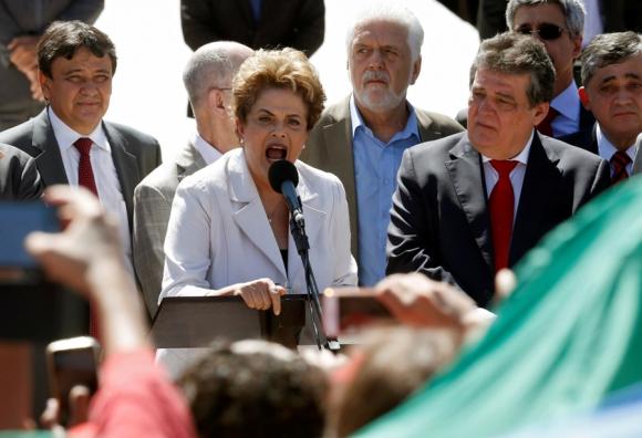 La presidente Rousseff habló ante los militantes del PT. Foto: Reuters