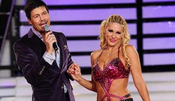 Marcelo Tinelli y Mónica Farro en el Bailando (Ideas del Sur)