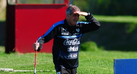 5ee0c0951ce Uruguay molesta al zapato de Brasil - Fútbol - Ovación - Últimas ...
