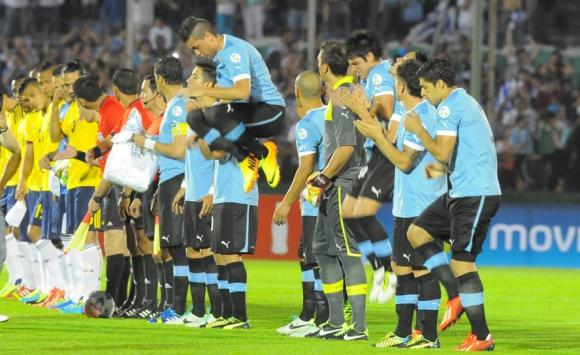 José María Giménez hizo su debut en la selección mayor conta Colombia. Foto: archivo El País.