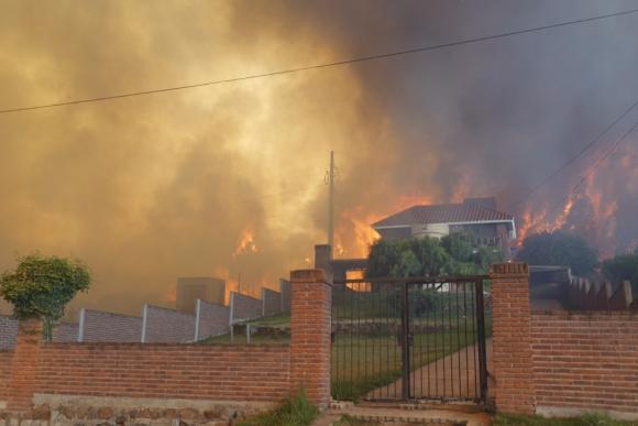 Incendio en Cerro del Toro. Foto: R. Figueredo