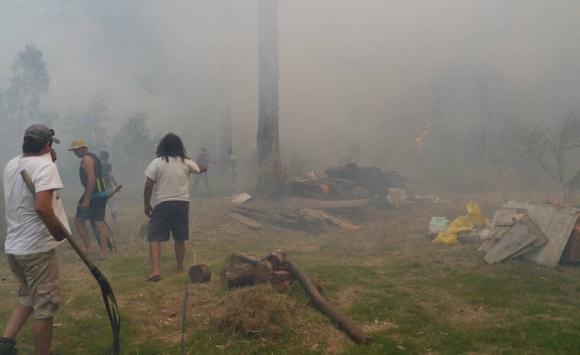 Incendio frente a el aeropuerto de Laguna del Sauce. Foto: Ricardo Figueredo.