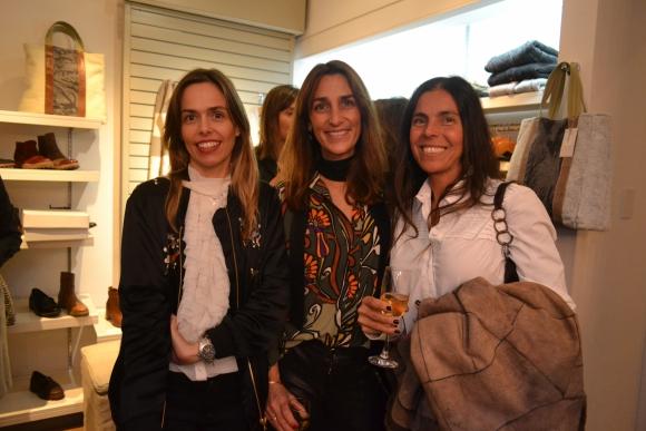 Inés Valdes, Susana González, María Fernanda Cea.